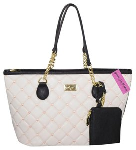 Betsey Johnson Quilted Diamond White/Pink Pouch Tote in WHITE/PINK