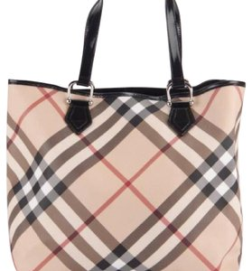 Burberry Tote in black/beige