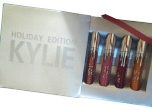 Kylie Cosmetics Holiday Edition Kylie