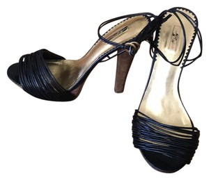 Report Signature black, wood Platforms