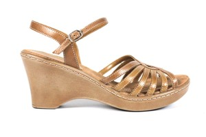 Naturalizer Beige Sandals