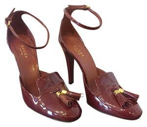 Gucci Tassel Leather Burgundy Pumps