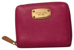 Michael Kors Michael Kors small zip around wallet