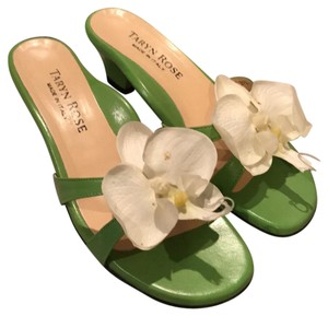 Taryn Rose green and white Sandals