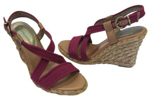 Banana Republic Size 9.00 M Padded Footbed Very Good Condition Purple, Neutral, Sandals - item med img