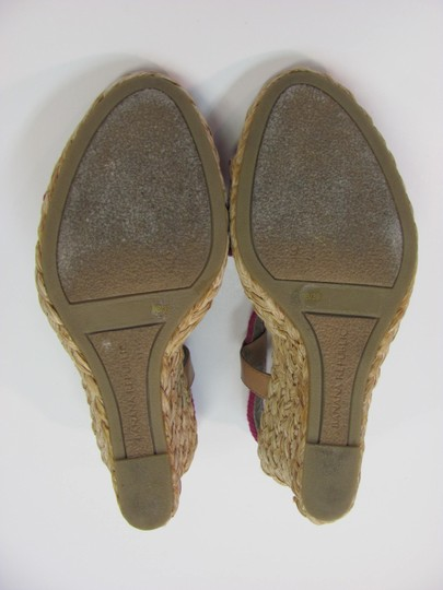 Banana Republic Size 9.00 M Padded Footbed Very Good Condition Purple, Neutral, Sandals