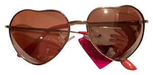 Betsey Johnson NEW Heart Shaped Aviator Style Sunglasses w/gold tone frame