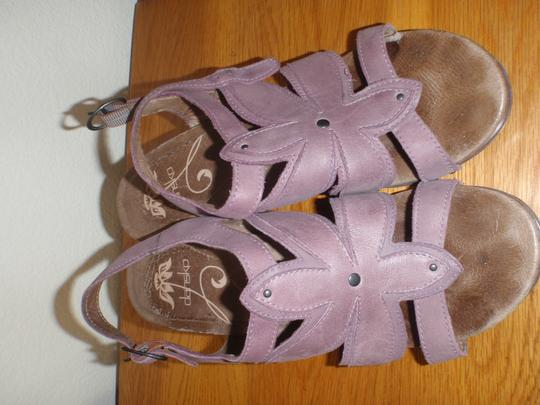 Dansko Sandal Pumps Woman purple Formal Image 3