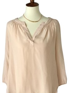 Max Studio Top pale peachy beige