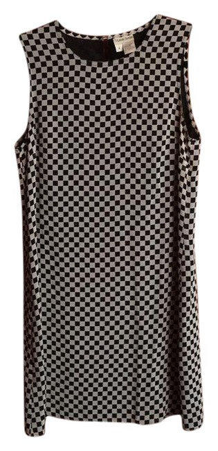 Preload https://img-static.tradesy.com/item/21284611/black-pattern-silk-checkerboard-print-shift-short-workoffice-dress-size-8-m-0-1-650-650.jpg