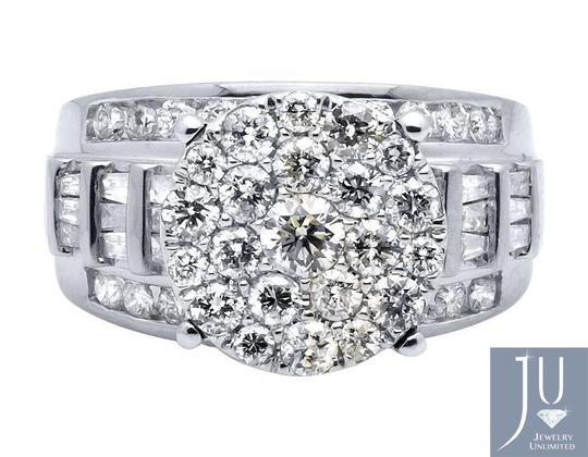 Jewelry Unlimited 10K White Gold Flower Round and Baguette Diamond Ring 2.0ct. Image 4