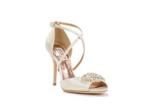 Badgley Mischka Badgley Mischka 'sari' Satin Heel Wedding Shoes