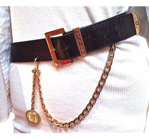Chanel GLAMOROUS Auth. Chanel Paris Runway Black Leather Gold Trim Belt~