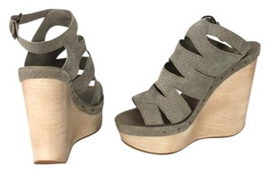 Max Studio Taupe Sandals