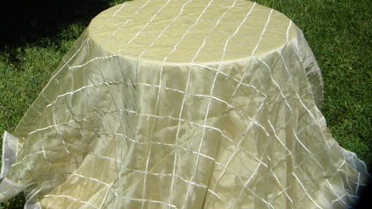 Cream Tablecloth Image 4