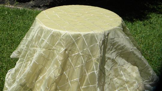 Cream Tablecloth Image 5