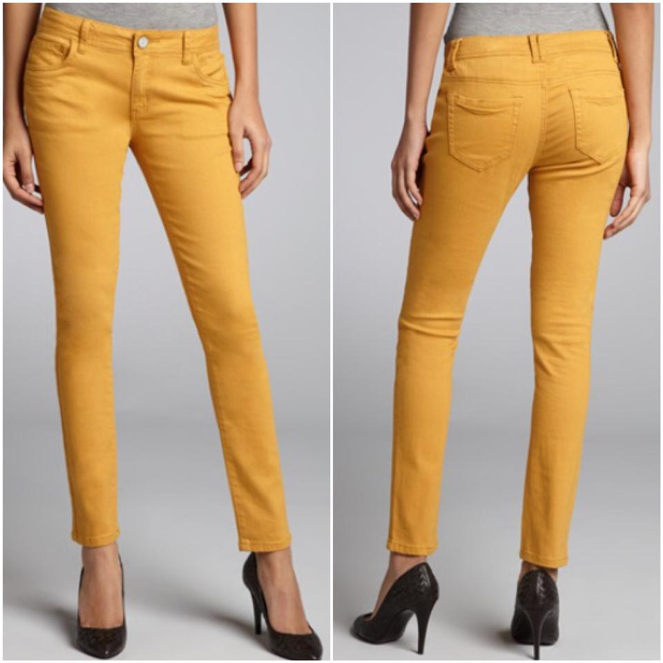 What Color Shirt To Wear With Mustard Yellow Skinny Jeans