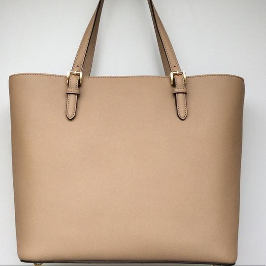 Michael Kors Jet Set Item New With Tags Tote in Tan / Gold Image 3