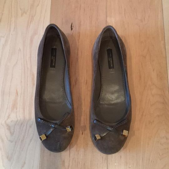 Louis Vuitton taupe Flats Image 1