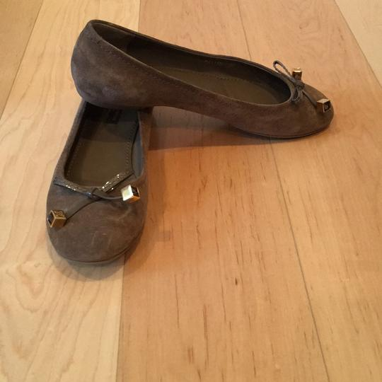 Louis Vuitton taupe Flats Image 4