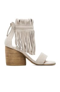Matiko Suede Fringe Square Heel off white Sandals
