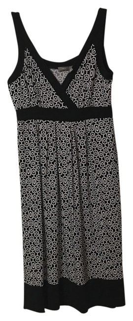 Preload https://img-static.tradesy.com/item/21289186/apartment-9-black-and-white-sleeveless-medium-short-casual-dress-size-10-m-0-1-650-650.jpg