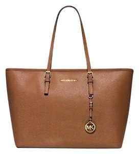 Michael Kors Jet Set Leather Tote in Brown
