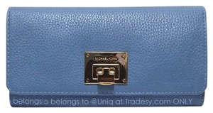 b51a6d4b6366 Michael Kors *Read* NWD MK Leather Astrid Wallet Wallet Clutch Many  compartments!