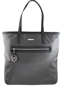 Michael Kors Tote in grey graphite