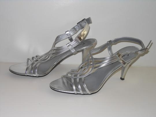Fioni Open Toe Slingback Faux Leather 8 Silver Sandals Image 2