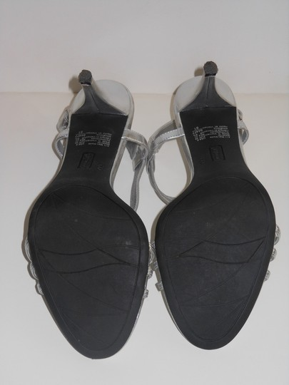 Fioni Open Toe Slingback Faux Leather 8 Silver Sandals Image 4