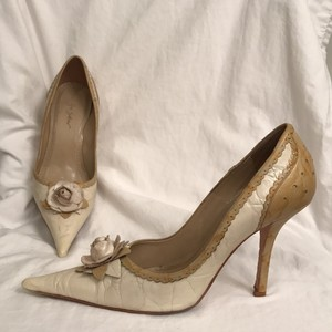 Sergio Zelcer Leather Design Heels Dress Heels/Pumps Formal Ivory Beige Gold Pumps