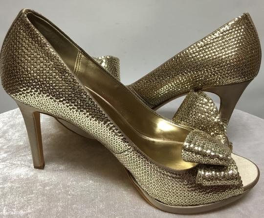 Moda Shoes in size 7.5M Pumps