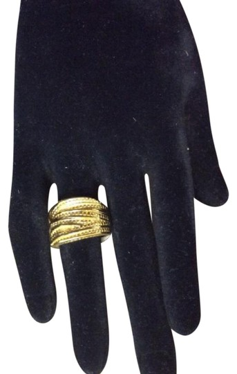Preload https://item5.tradesy.com/images/crossover-cubes-style-gold-electroplated-ring-21294359-0-1.jpg?width=440&height=440