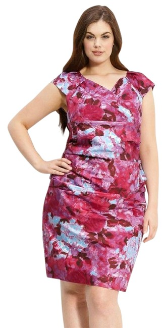 Preload https://item1.tradesy.com/images/suzi-chin-for-maggy-boutique-pink-floral-print-ruched-short-workoffice-dress-size-18-xl-plus-0x-21294440-0-1.jpg?width=400&height=650