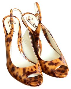 Gucci Patent Leather Slingback Heels Brown Sandals