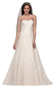 David's Bridal Ivory/Champagne Polyester Sweetheart A-line Tulle and Lace Traditional Wedding Dress Size 4 (S)