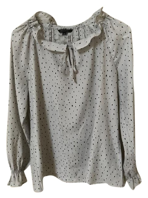 Preload https://item2.tradesy.com/images/banana-republic-light-grey-with-black-dot-easy-care-long-sleeve-blouse-size-2-xs-21296151-0-1.jpg?width=400&height=650