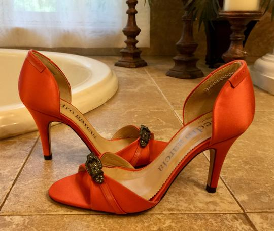 Pedro Garcia Coral red Pumps