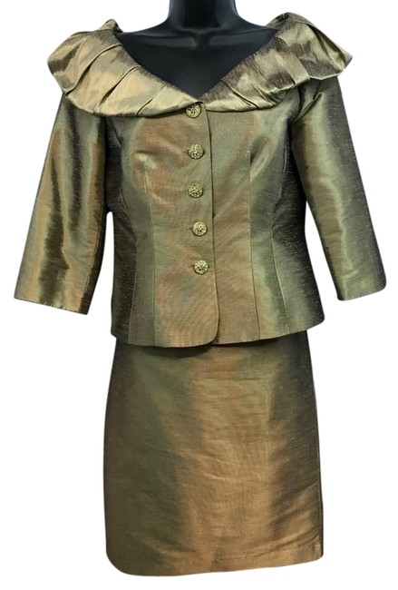 Preload https://item3.tradesy.com/images/adrianna-papell-occasions-evening-brownish-gold-skirt-suit-size-4-s-21296202-0-2.jpg?width=400&height=650