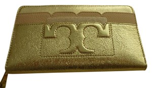 Tory Burch $225 Tory Burch Ladie's Scallop-T Leather Zip Wallet in Gold/Pink Logo