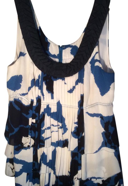 Preload https://item1.tradesy.com/images/tory-burch-blue-and-white-silk-night-out-top-size-6-s-21296405-0-1.jpg?width=400&height=650