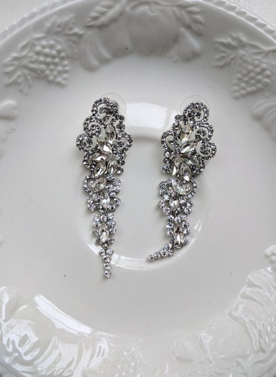 Preload https://item1.tradesy.com/images/gold-silver-drop-rosy-earrings-21296415-0-0.jpg?width=440&height=440