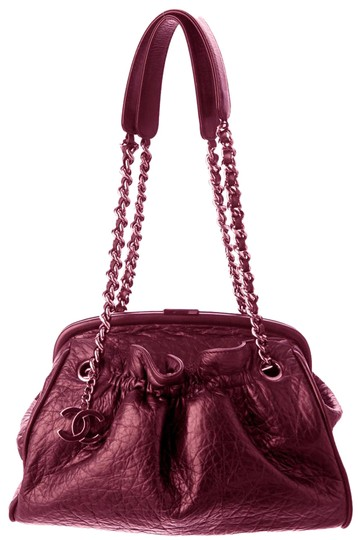Preload https://item1.tradesy.com/images/chanel-pleated-pouch-new-york-paris-frame-kisslock-flap-classic-handle-burgundy-red-lambskin-leather-21296625-0-1.jpg?width=440&height=440