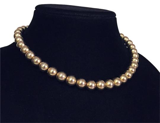 Preload https://item2.tradesy.com/images/gold-vintage-beaded-hook-clasp-choker-statement-simple-necklace-21296771-0-1.jpg?width=440&height=440