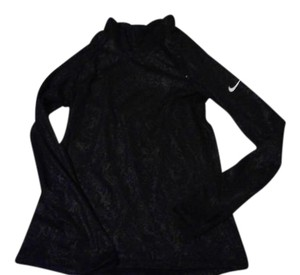 Nike Pullover active wear. Nike Dri Fit.