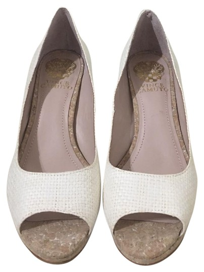 Preload https://img-static.tradesy.com/item/21296979/vince-camuto-white-woven-cork-heel-pumps-size-us-6-regular-m-b-0-1-540-540.jpg