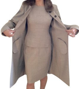 Akris Akris skirt suit INCLUDES matching sable fur coat, made in Italy