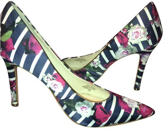 Preload https://img-static.tradesy.com/item/21297098/guess-rose-pattern-navy-and-white-stripes-with-pink-roses-eloy2-pumps-size-us-85-regular-m-b-0-1-540-540.jpg