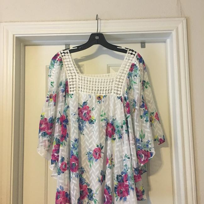 Anthropologie Top white, pink